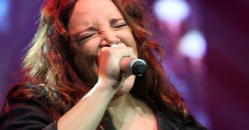 Ana Carolina se apresenta no Palco Quinta da Boa Vista durante o Viradão Carioca (6/5/2012). O evento é encerrado por Gusttavo Lima