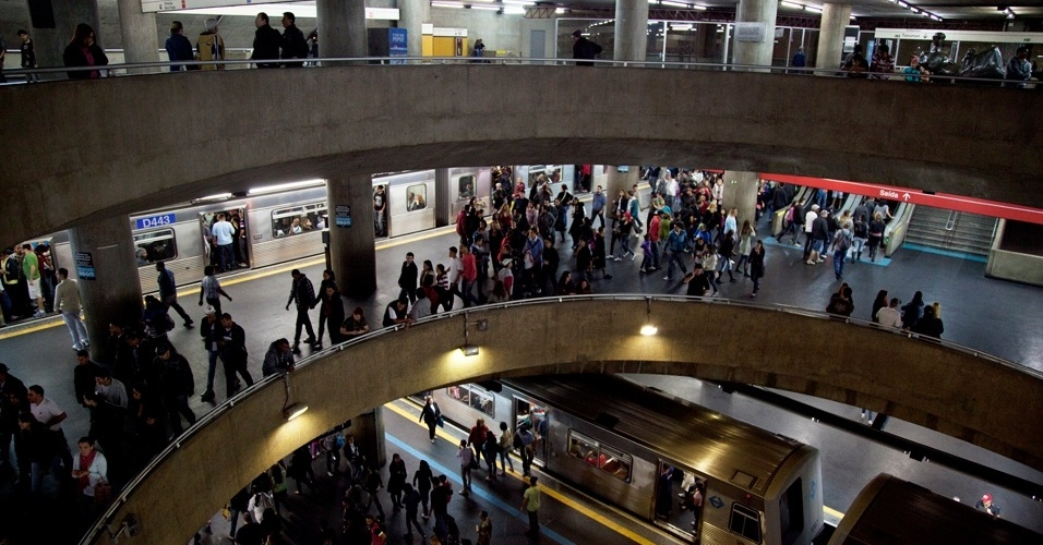 Foto da Esta&#231;&#227;o S&#233; durante a Virada Cultural. O metr&#244; ficar&#225; aberto 24h para atender ao p&#250;blico &#40;5/5/12&#41;