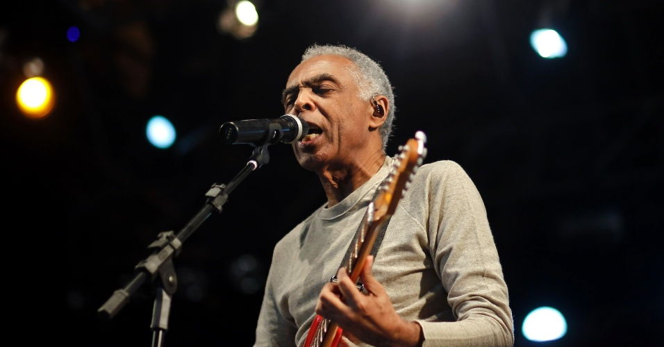 Gilberto Gil encerra a Virada Cultural com apresenta&#231;&#227;o no palco J&#250;lio Prestes, decicado a m&#250;sica negra &#40;6/5/12&#41;