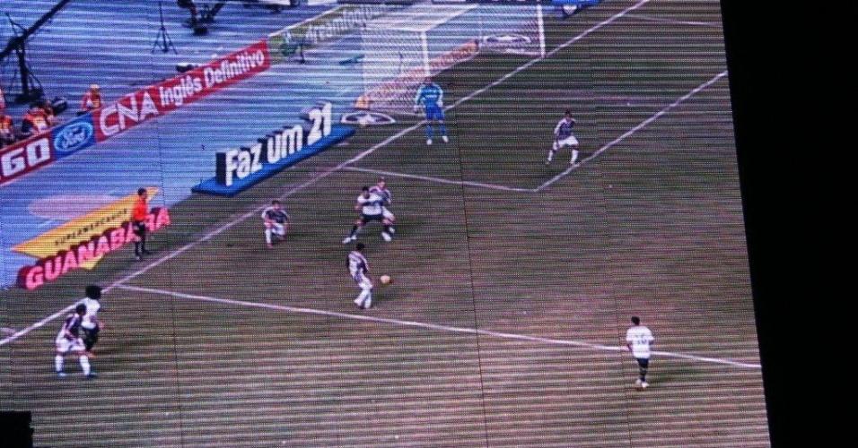 Jogo do Botafogo contra o Fluminense é exibido durante a programação do Viradão (6/5/2012)