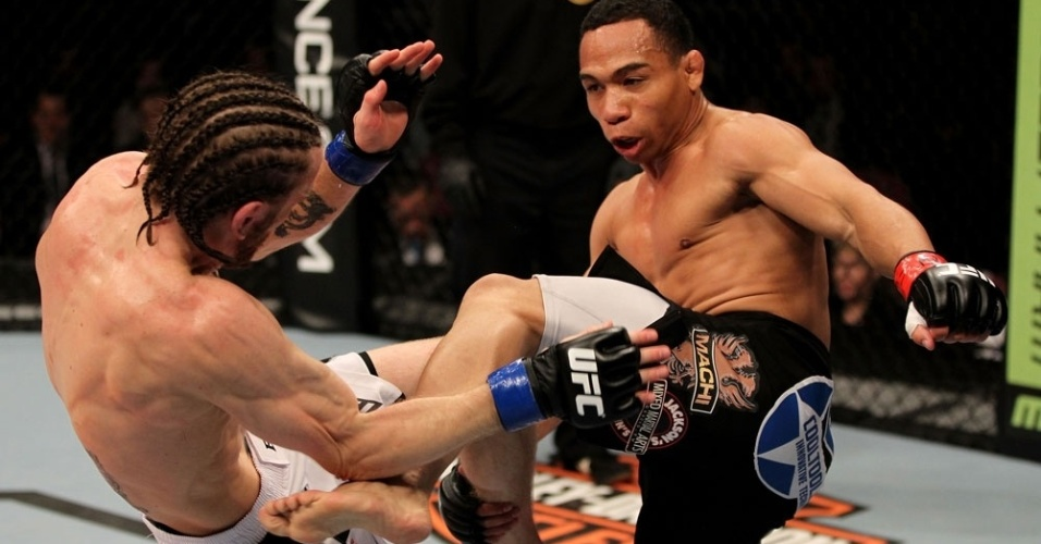 John Dodson d chute em Timothy Elliott em sua vitria no UFC on FOX 3
