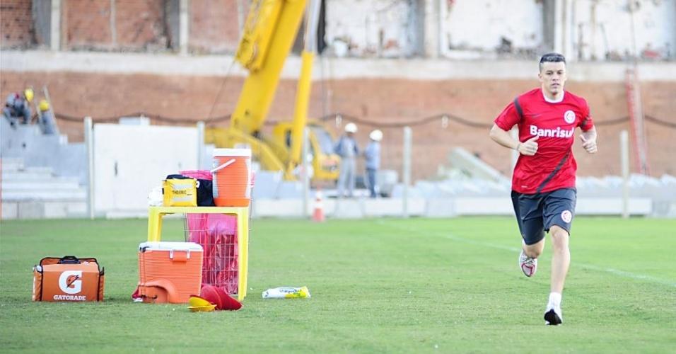 Meia D'Alessandro corre para se recuperar de lesão muscular na coxa esquerda (arquivo)