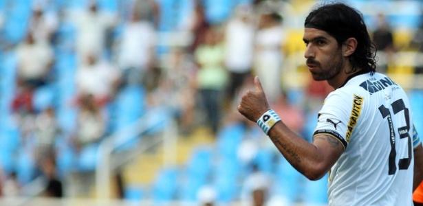Santos ofereceu Elano em troca de Loco Abreu (foto), mas Botafogo queria Borges
