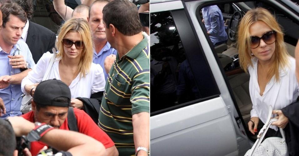 Carolina Dieckmann chega para prestar depoimento e entregar seu computador para perícia na Delegacia de Repressão aos Crimes de Informática, no Rio de Janeiro. O caso será registrado nas áreas cível e criminal (7/5/12)