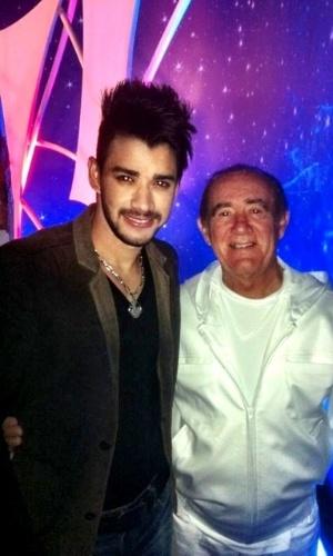 Gusttavo Lima tieta Renato Aragão em gravação do programa