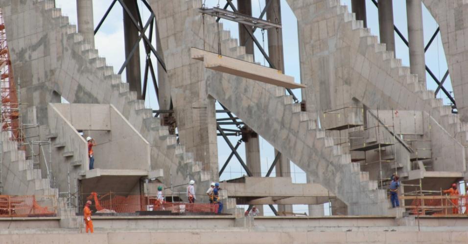 Início das obras da arquibancada superior do estádio Mané Garrincha