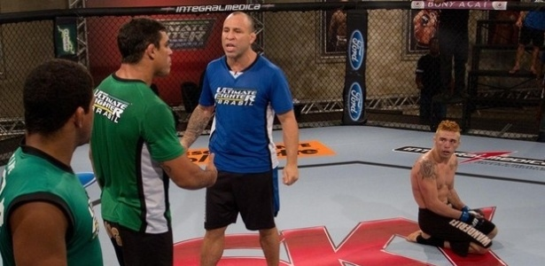 Vitor Belfort e Wanderlei Silva discutem aps vitria de Rony Jason; lutador enfrentou o amigo Gasparzinho, o que gerou discusso na casa do TUF