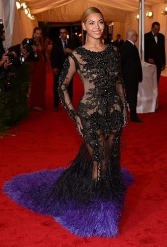 Beyonce no baile de gala do MET 2012 (07/05/20120