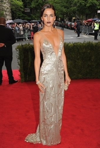 Camilla Belle no baile de gala do MET 2012 (07/05/20120