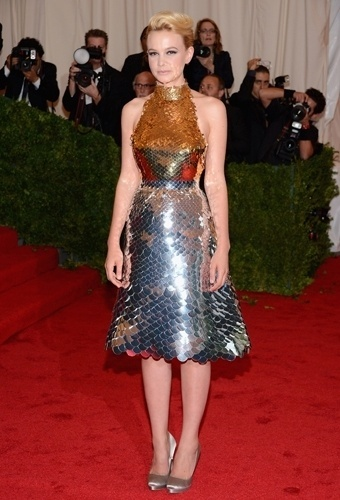 Carey Mulligan no baile de gala do MET 2012 (07/05/20120