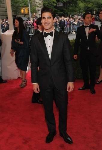 Darren Criss no baile de gala do MET 2012 (07/05/20120