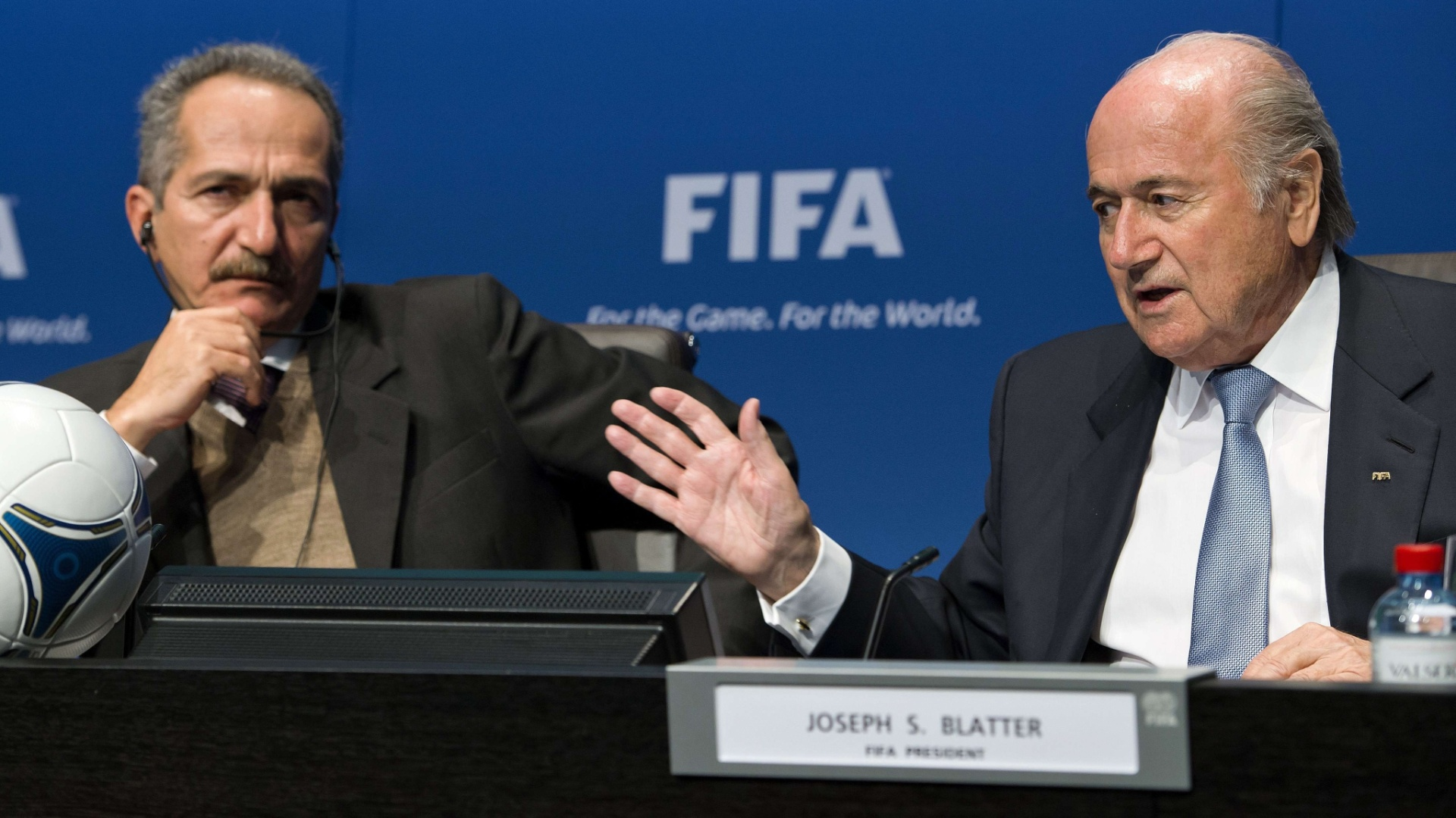 Em reunio realizada nesta tera-feira, Joseph Blatter reforou a presena de Jrme Valcke como interlocutor para a Copa-2014
