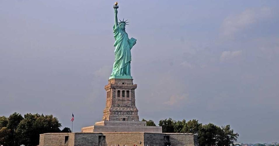 Estátua da Liberdade, localizada em uma ilha na entrada do porto de Nova York
