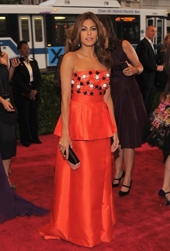 Eva Mendes no baile de gala do MET 2012 (07/05/20120