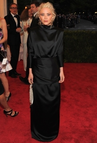 Mary-Kate Olsen no baile de gala do MET 2012 (07/05/20120