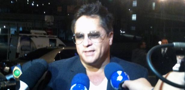 O cantor Leonardo durante visita ao filho no hospital Sírio-Libanês, em São Paulo (8/5/12)