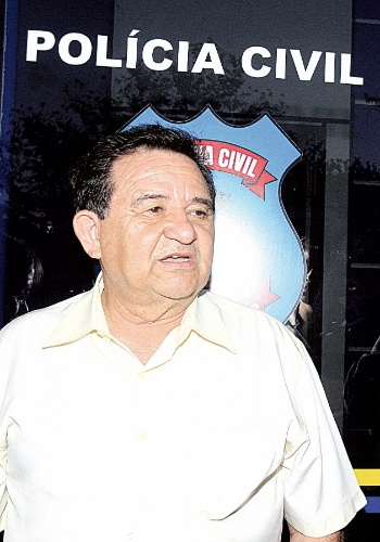 9.mai.2012 - Helicóptero da Polícia Civil caiu na terça (8) na Fazenda Boi, próximo ao município de Piranhas, em Goiás. Oito pessoas morreram no acidente, entre eles o delegado Antonio Gonçalves