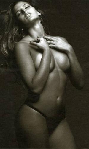 Musa do vôlei, Mari Paraíba posou para ensaio sensual para a revista Playboy