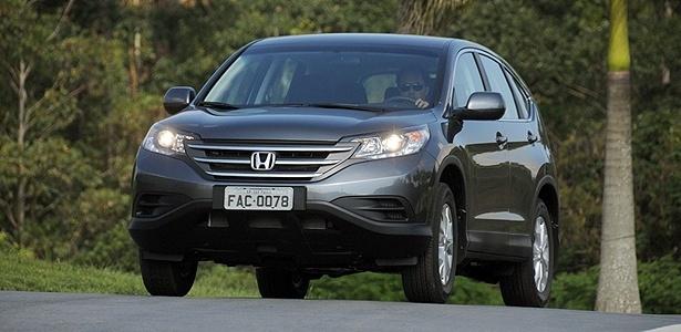 Honda CR-V LX: nada pode ser mais agradável do que trocar marchas num carro bom
