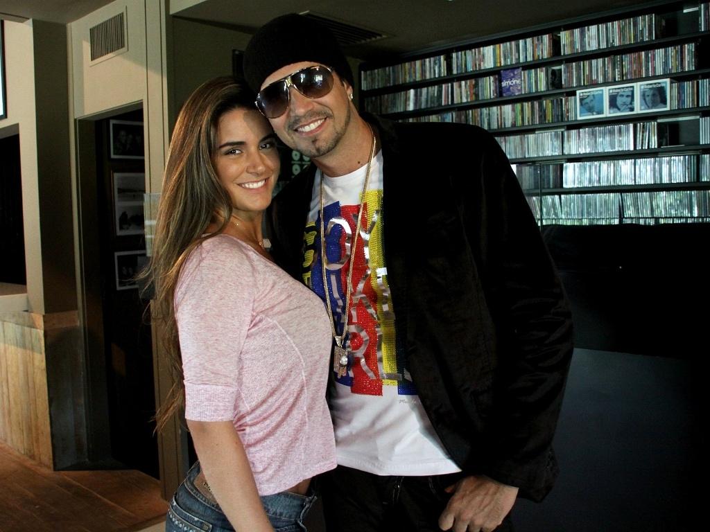 Latino grava clipe da canção