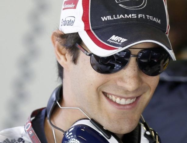Bruno Senna sorri durante treinos livres para o GP da Espanha