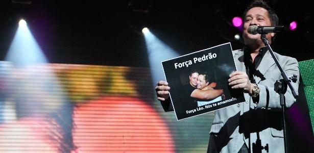 Emocionado, Leonardo fala do filho, Pedro, em show no Credicard Hall, em SP (11/5/12)