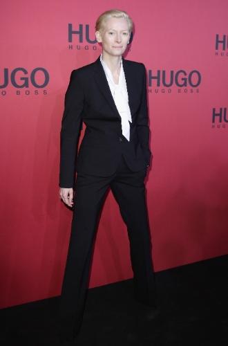Tilda Swinton desfile da Hugo Boss, na semana de moda de Nova York (20/01/2011)