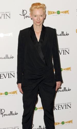Tilda Swinton foi à estreia de um filme (10/11/2011)