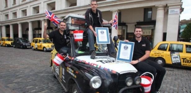 Três amigos do Reino Unido realizaram uma viagem ao redor do mundo dentro um táxi. A jornada entrou para o Livro dos Recordes como a corrida mais cara da história. Eles gastaram aproximadamente R$ 251 mil