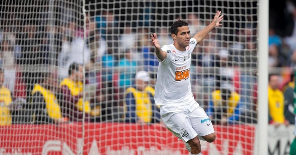 Alan Kardec abriu o placar para o Santos logo no início da partida