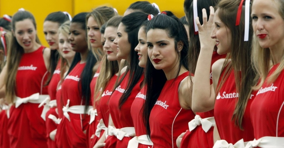 Grid girls fazem pose durante atividades do GP da Espanha de Frmula 1