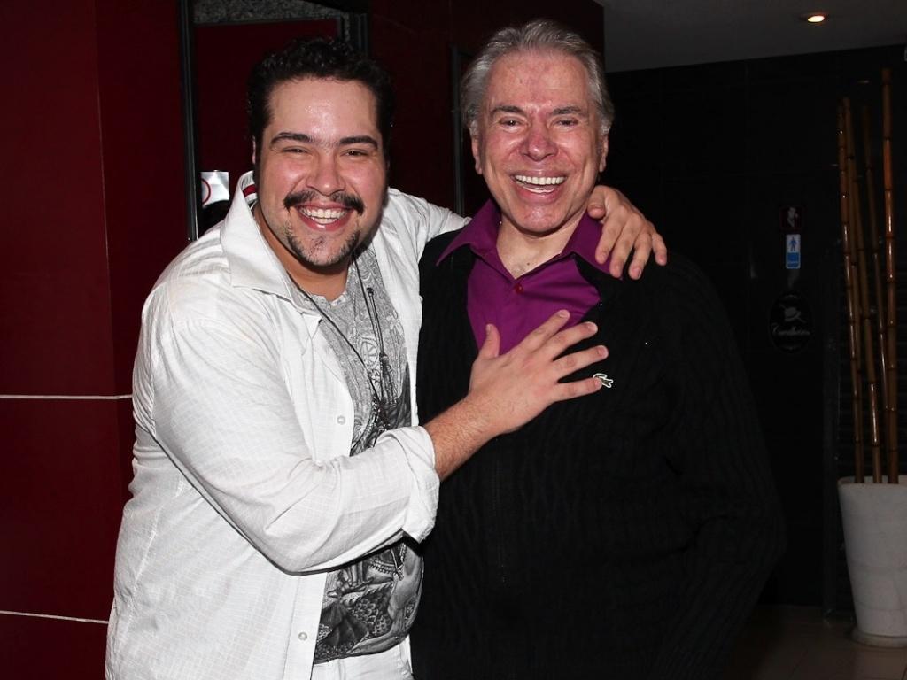 Silvio Santos aplaude o neto Tiago Abravanel no teatro (12/5/12)