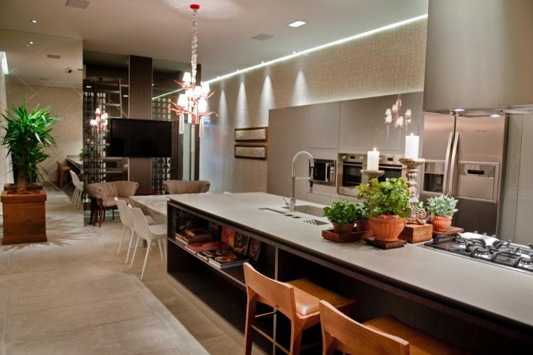 Casa Cor SC - 2012 - A Cozinha Gourmet, desenvolvida pela engenheira civil e decoradora Eliege Longen, faz parte do Apartamento Casa Cor