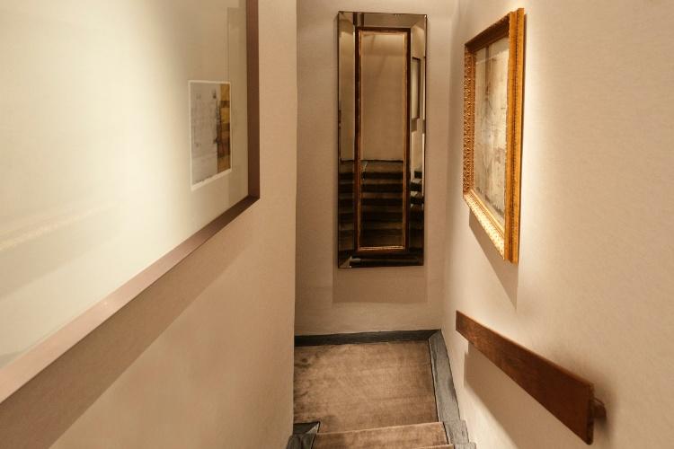 Casa Cor SC - 2012 - Circulação vertical (escadas) do apartamento pensada por Helena Neckel e Val Araujo
