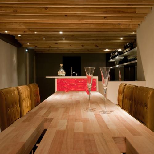 Casa Cor SC - 2012 - Claudio Oliveira, Jeferson Louzavio e Carlos Malinski assinam o wine bar