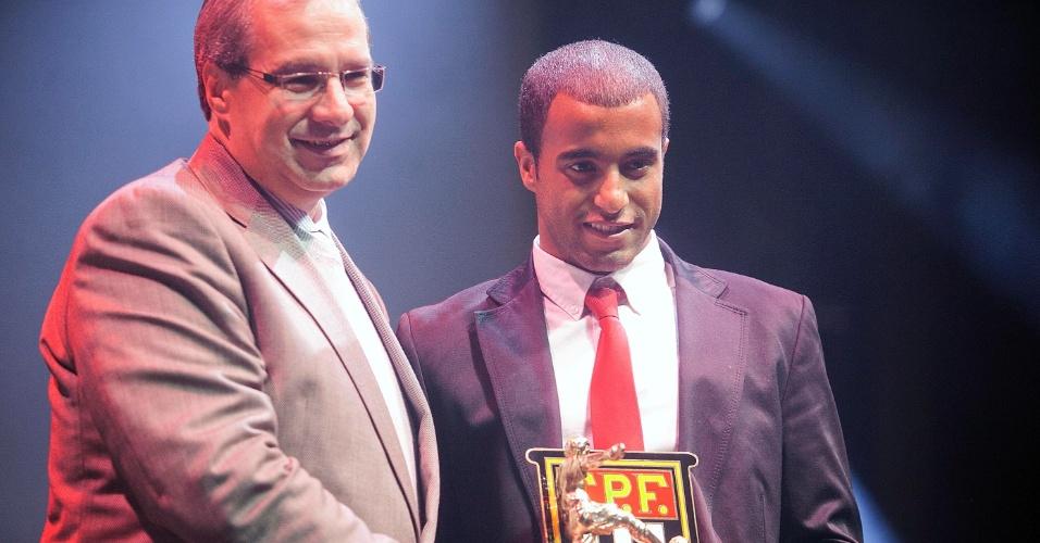 O meia Lucas, do São Paulo, foi eleito um dos melhores meias do Campeonato