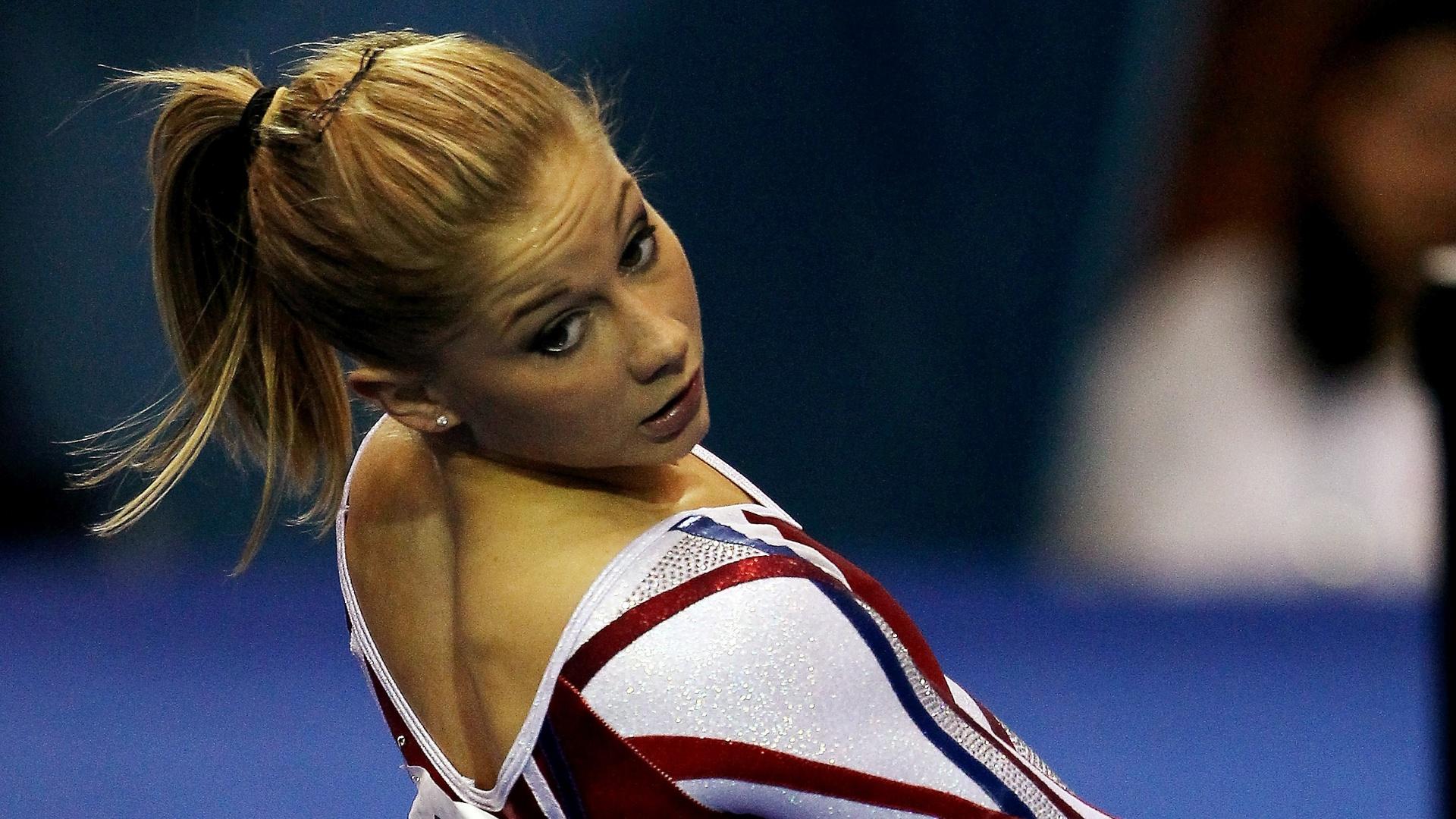 Shawn Johnson durante o Pan de Guadalajara, quando ela voltou a competir internacionalmente após o ouro em Pequim