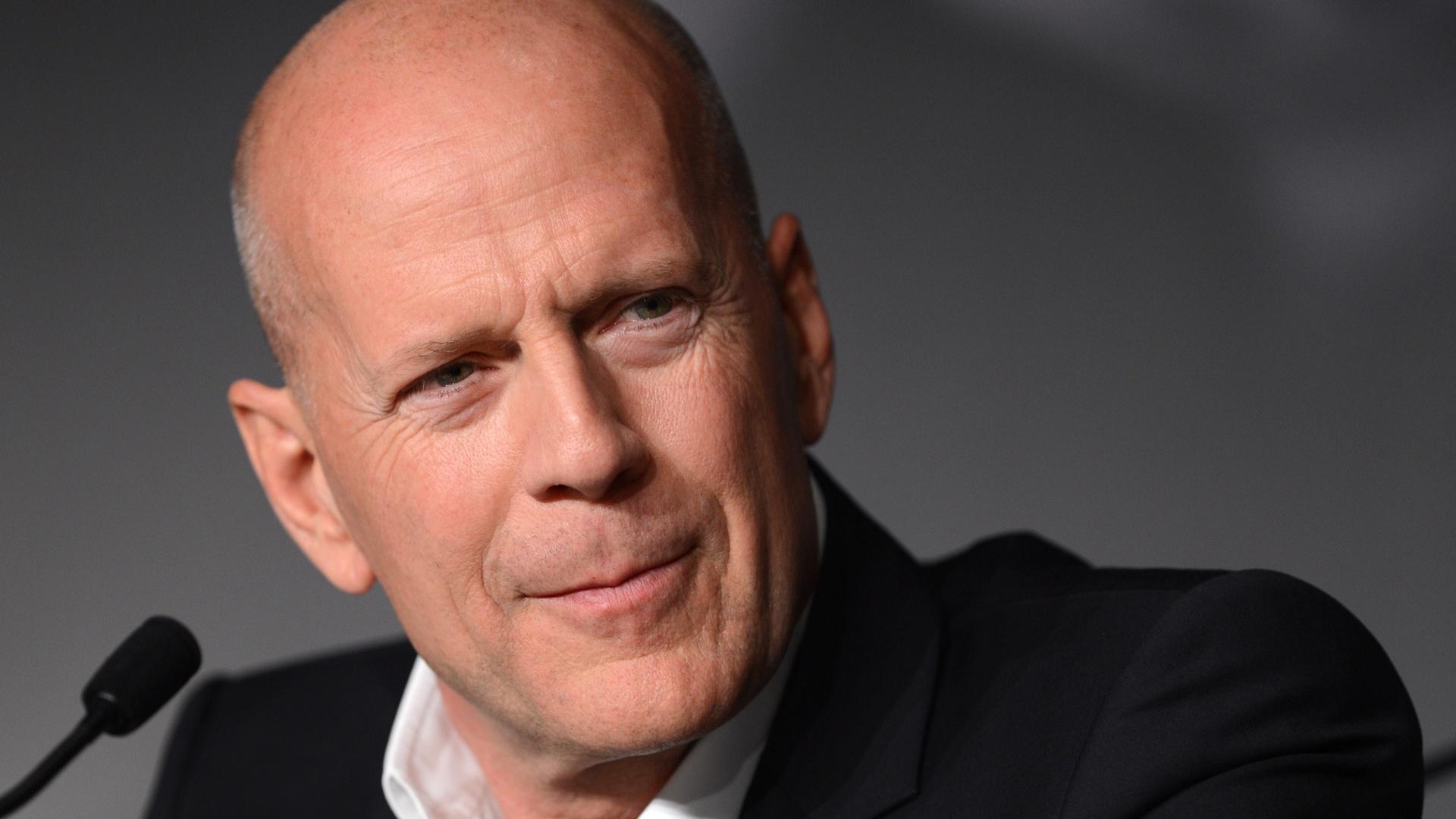 O ator Bruce Willis fala sobre o filme