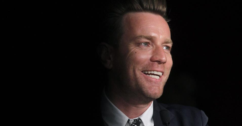 O ator Ewan McGregor, membro do júri do Festival de Cannes 2012, fala com a imprensa em coletiva realizada no primeiro dia do evento (16/5/12)