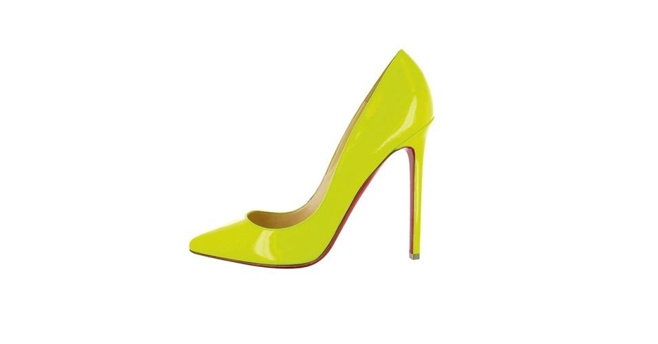 Scarpin amarelo de verniz; R$ 1.790, na Christian Louboutin (Tel.: 11 3032-0233)