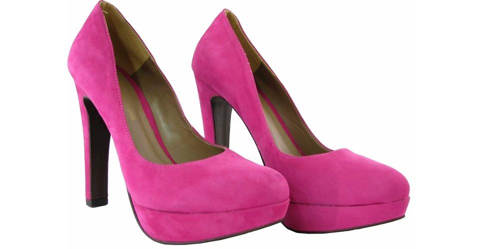Scarpin rosa com meia pata e bico arredondado; R$ 104, na Sonho dos Pés (Tel.: 21 2529-2587)