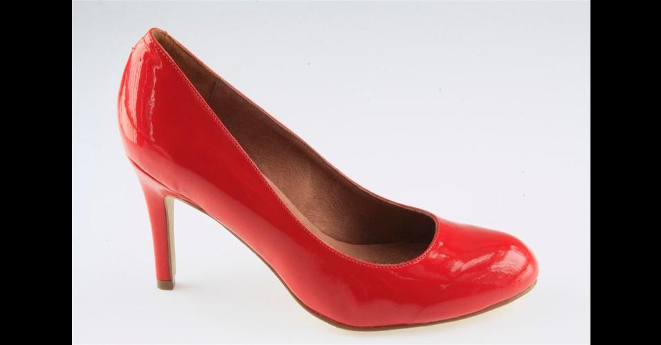 Scarpin vermelho de verniz; R$ 300, na Corso Como (Tel.: 11 3062-8021)