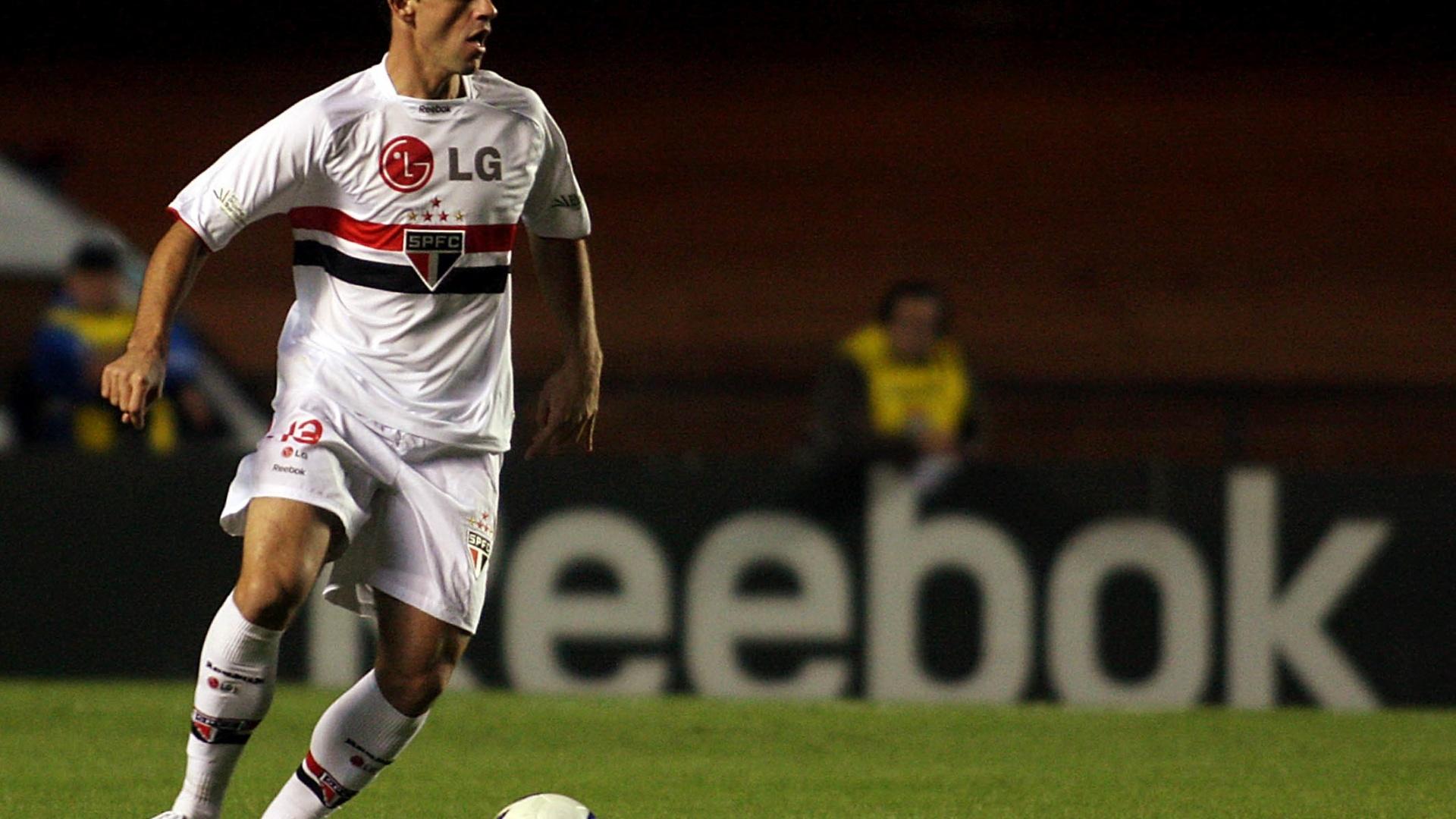 Zagueiro Jean Rolt, ex-São Paulo, acertou contrato com Náutico