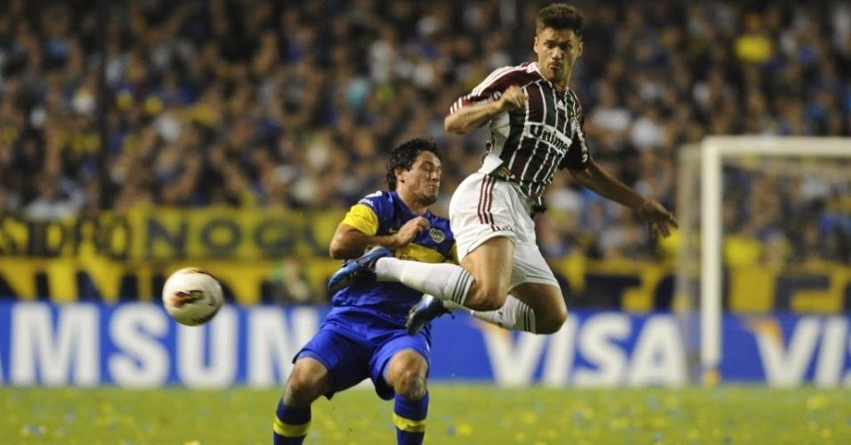 Boca Juniors e Fluminense fizeram um primeiro tempo equilibrado em La Bombonera