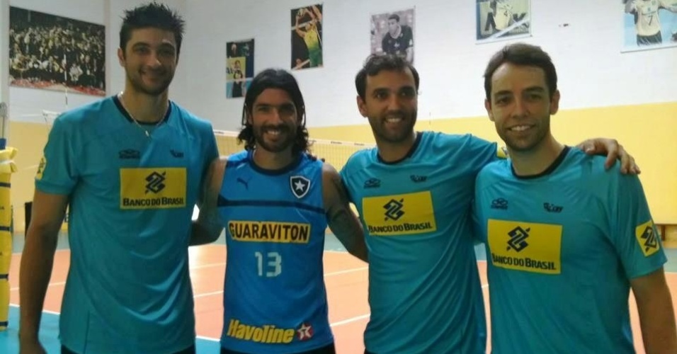 Leandro Vissoto, Loco Abreu, Mario Jr e Rapha. Encontro no CT da CBV, em Saquarema