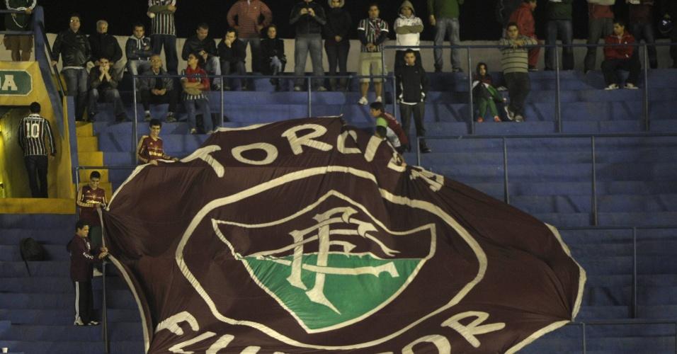 Torcida do Fluminense marca presença nas arquibancadas de La Bombonera