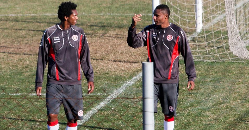 Afastados do elenco, Jô e Jajá Coelho treinam em CT do Inter na cidade de Alvorada (18/05/12)