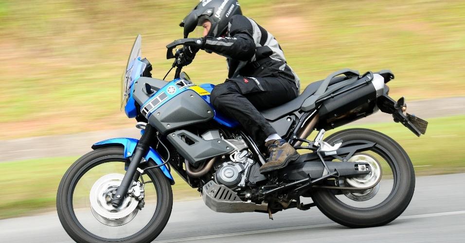 Yamaha XT 660Z Ténéré usa o mesmo motor de um cilindro e 48 cv da XT 660R