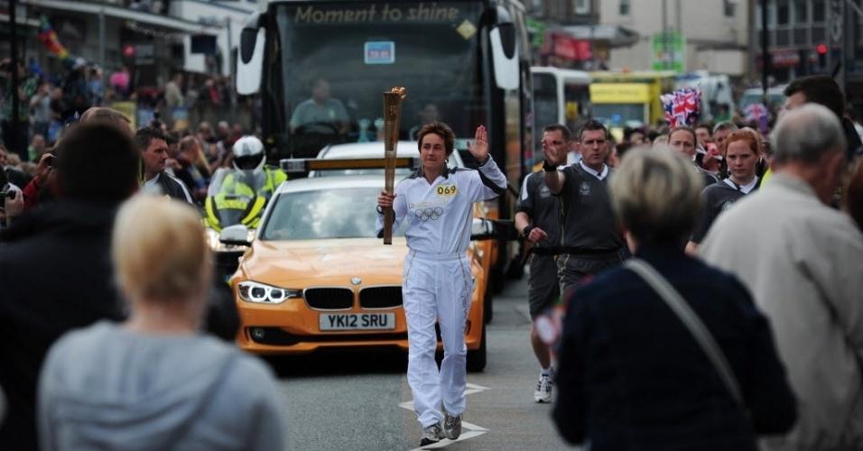 A tocha olímpica chegou ao Reino Unido na última sexta-feira, trazida por David Beckham
