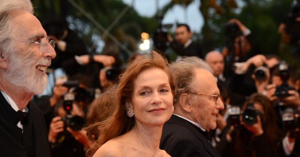 "A atriz francesa Isabelle Huppert e o diretor austríaco Michael Haneke na première do filme ""Amour"" (20/5/12)"